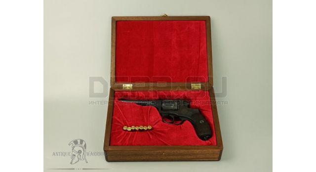 Подарочный футляр для револьвера Наган / Дерево с красным бархатом [п-97/1]