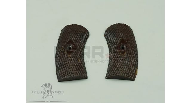 Накладки на рукоять для револьвера Наган / Бакелитовые оригинал без средника [наган-79]