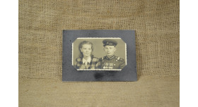 Фото сержанта автомобильных войск НКВД со спутницей/ Оригинал г. Вена, 1946 г., 8х13 см в раме [фт-44]