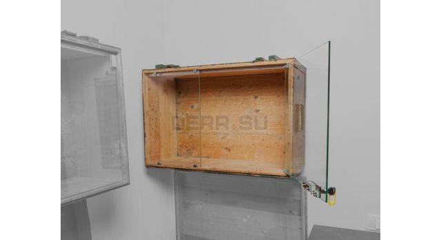 Витрина на основе советского армейского ящика / С подсветкой 79х51х28 настенная витрина с дверцей вбок [ящ-15]