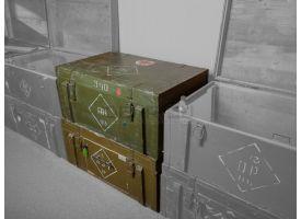 Витрина на основе советского армейского ящика