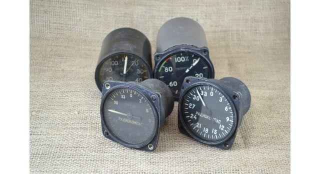 Комплект приборов для самолета-истребителя МиГ-15 [по-41]