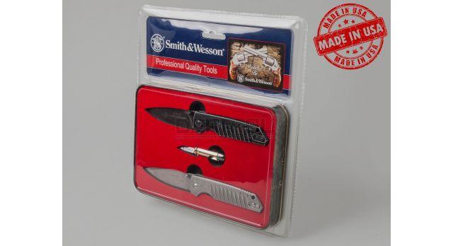 Сувенирный набор ножей «Protected by Smith & Wesson»