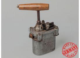 Подрывная машинка немецкого сапёра